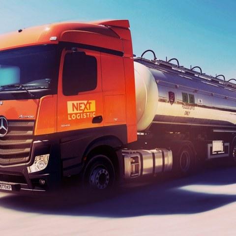 Nextlogistic Kamion tip cisterna za prevoz na hranitelni tovari