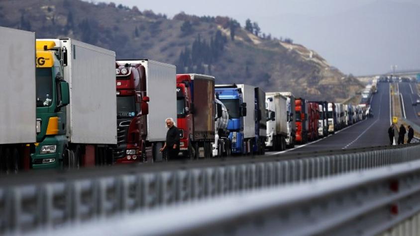 Опашка от камиони на магистралата за Румъния