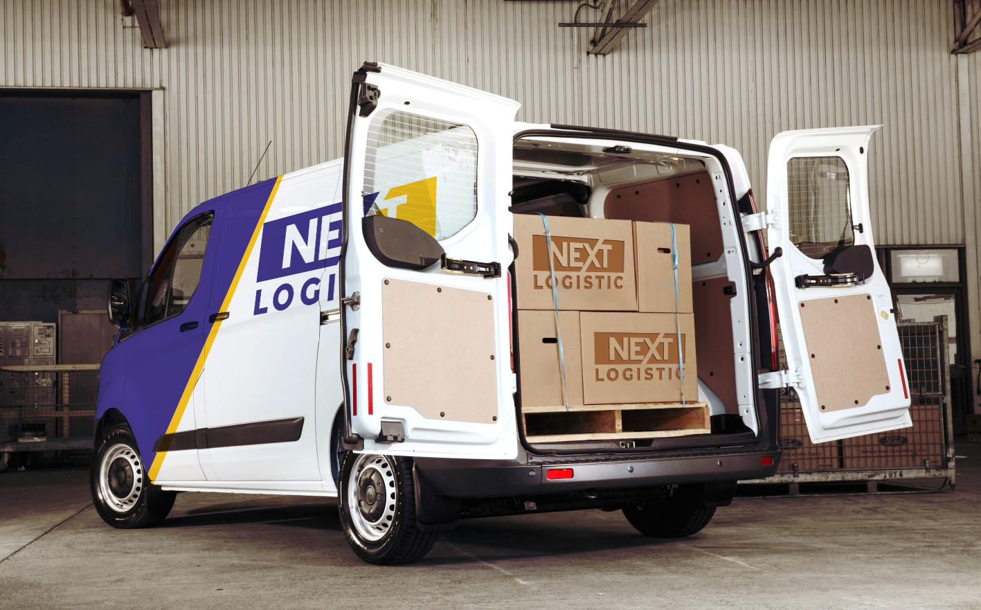 Nextlogistic Van loaded with boxes tied to a pallet